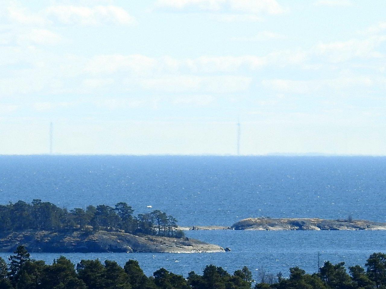 Tallinnan TV-torni ja Energialaitoksen savupiippu näkyi Porkkalanniemestä.